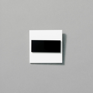 Black and White Pin by Chus Burés